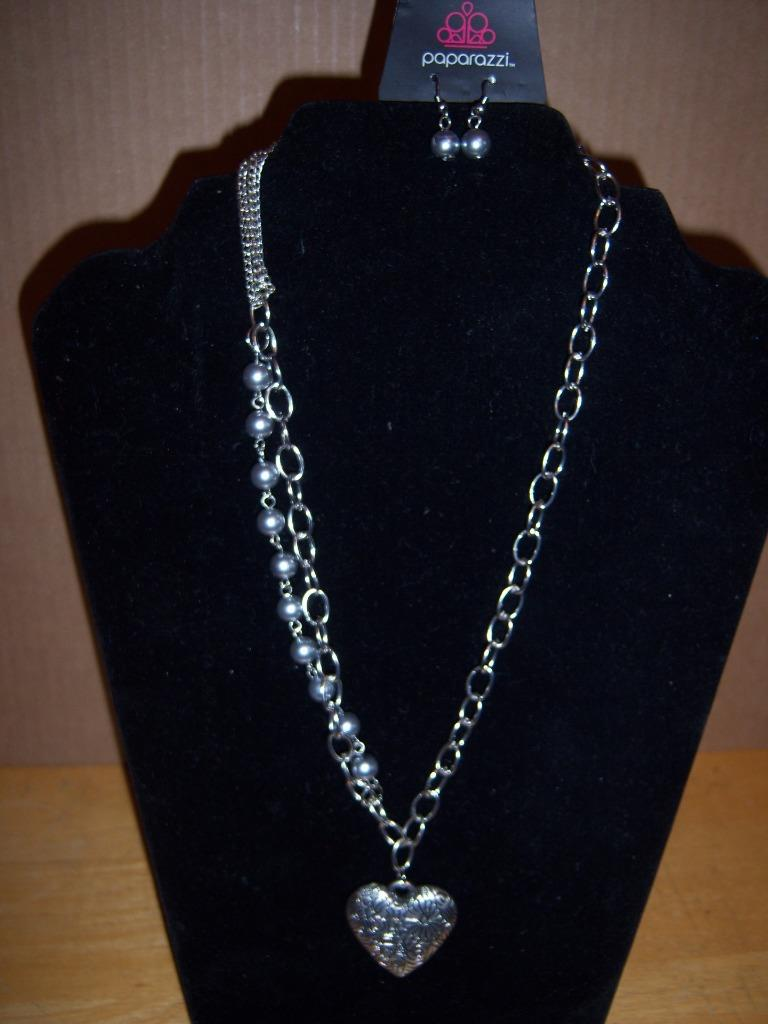 New Paparazzi Necklace Amp Matching Earrings Heart Beads T2