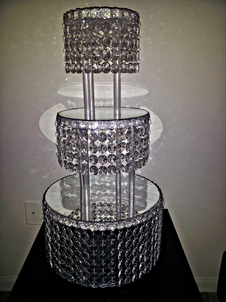 Diamond Point Cake Stand