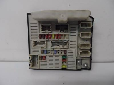 ford ka fuse box under bonnet renault scenic fuse box under bonnet renault scenic, megane under bonnet fuse box, 8200481866f ...
