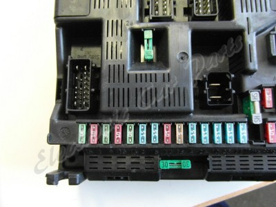 2001 2008 peugeot 307 bsi fuse box 9636760580  mod0998e Nissan Serena Fuse Box 596240928 tp