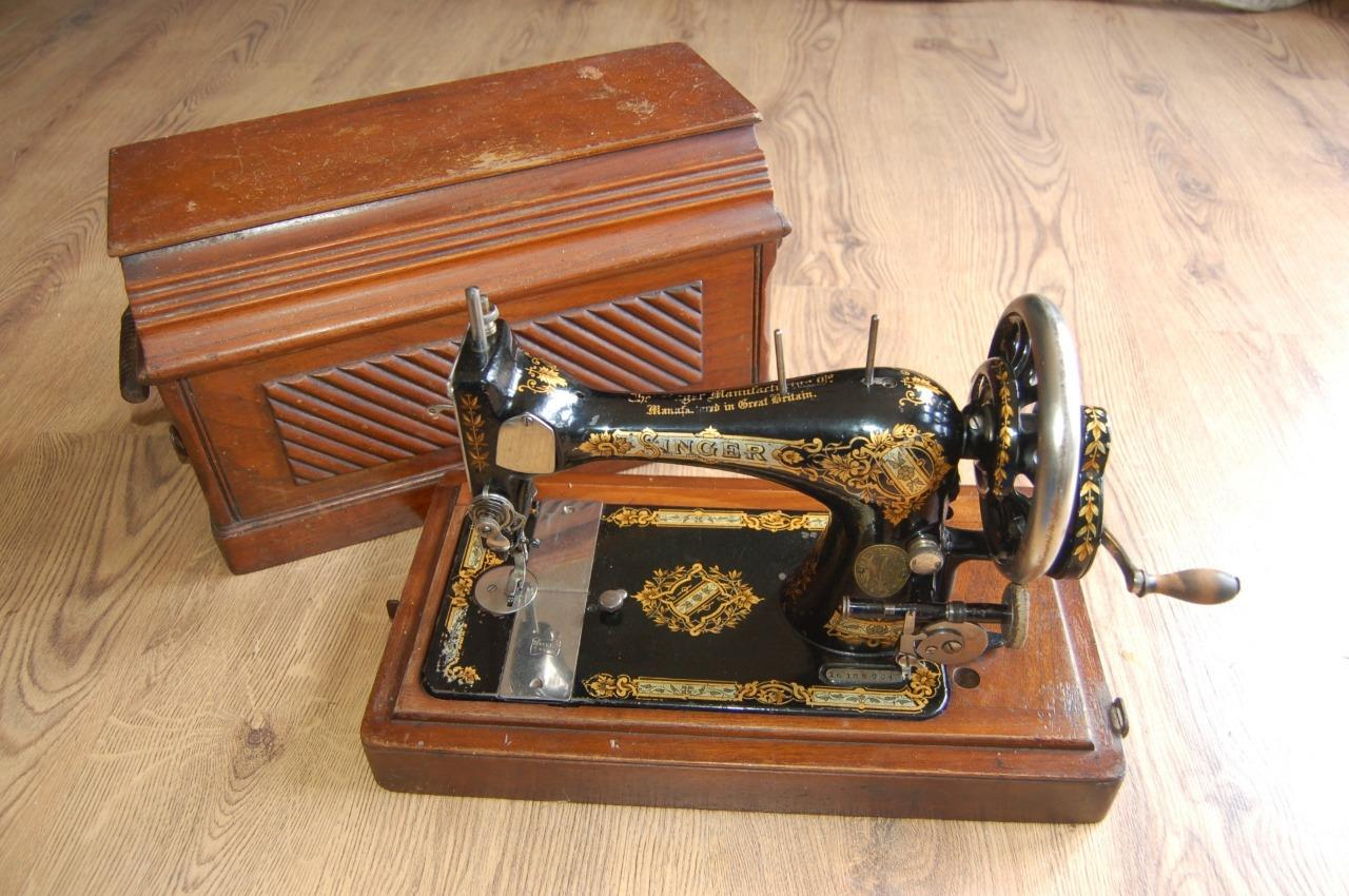 Image is loading Collectors-Antique-1899-Singer-Hand-Crank-Sewing-Machine-