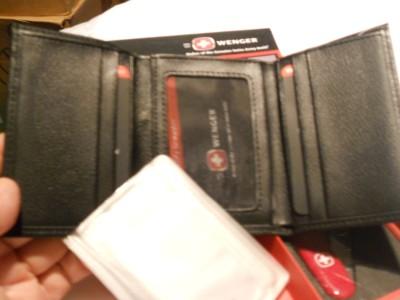 Swiss Army Black Genuine Leather Trifold Wallet Amp Swiss