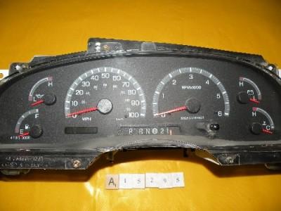 00 01 02 Ford F150 Pickup Speedometer Instrument Cluster Dash Panel 186 723