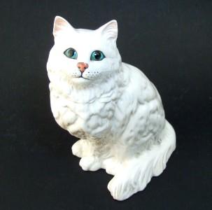 Beswick White Persian Cat with Stunning Green Eyes | eBay