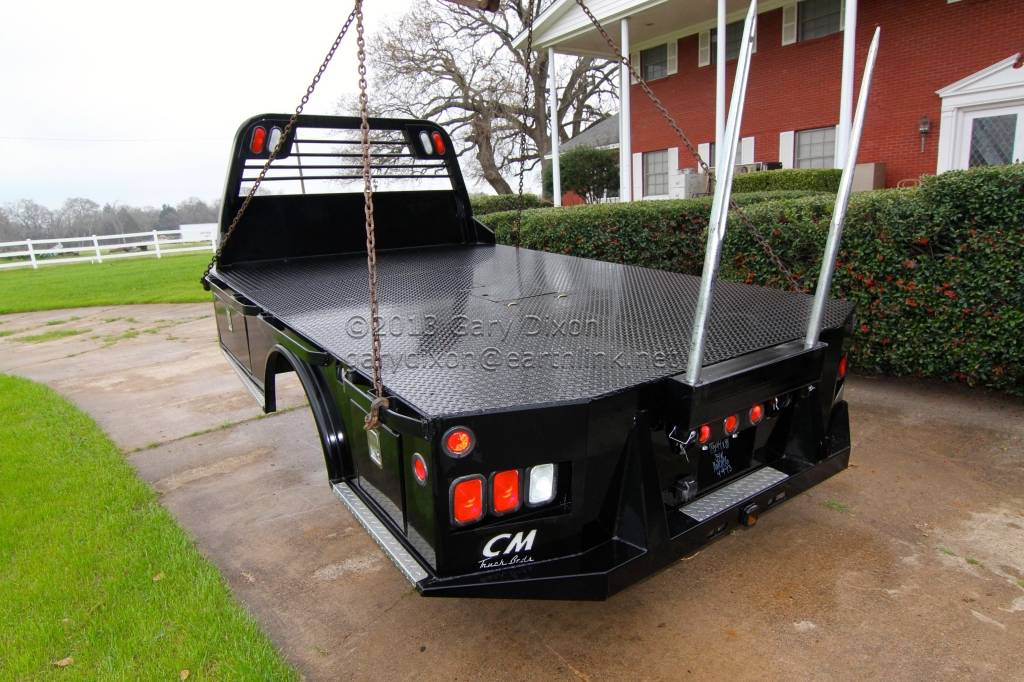 new c m skirted truck bed with hydraulic bale spears and. Black Bedroom Furniture Sets. Home Design Ideas