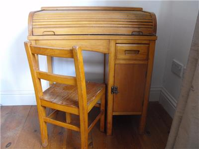 Vintage Retro 1950 S Child S Roll Top Tambour Desk And