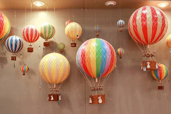 Large 35 CM Home Decor Authentic Models Hot Air Balloon