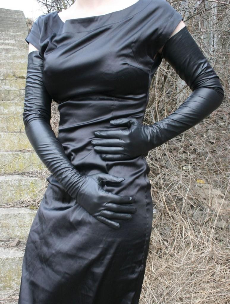 leather gloves Vintage opera