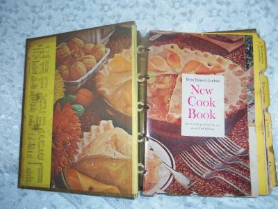 Vintage better homes and gardens new cookbook 1965 gold - Vintage better homes and gardens cookbook ...