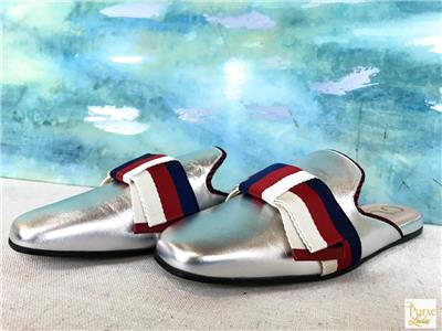 a4182a919 $630 GUCCI Silver Metallic Leather Slip-On Mules Slides Bow Size 39.5 SALE!  NEW