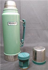 nice used stanley aladdin thermos vacuum bottle 1 1 quart 1 liter green ebay. Black Bedroom Furniture Sets. Home Design Ideas