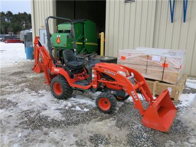 Kubota BX24 4x4 Tractor Loader Backhoe Hydrostatic Very Nice Runs Great