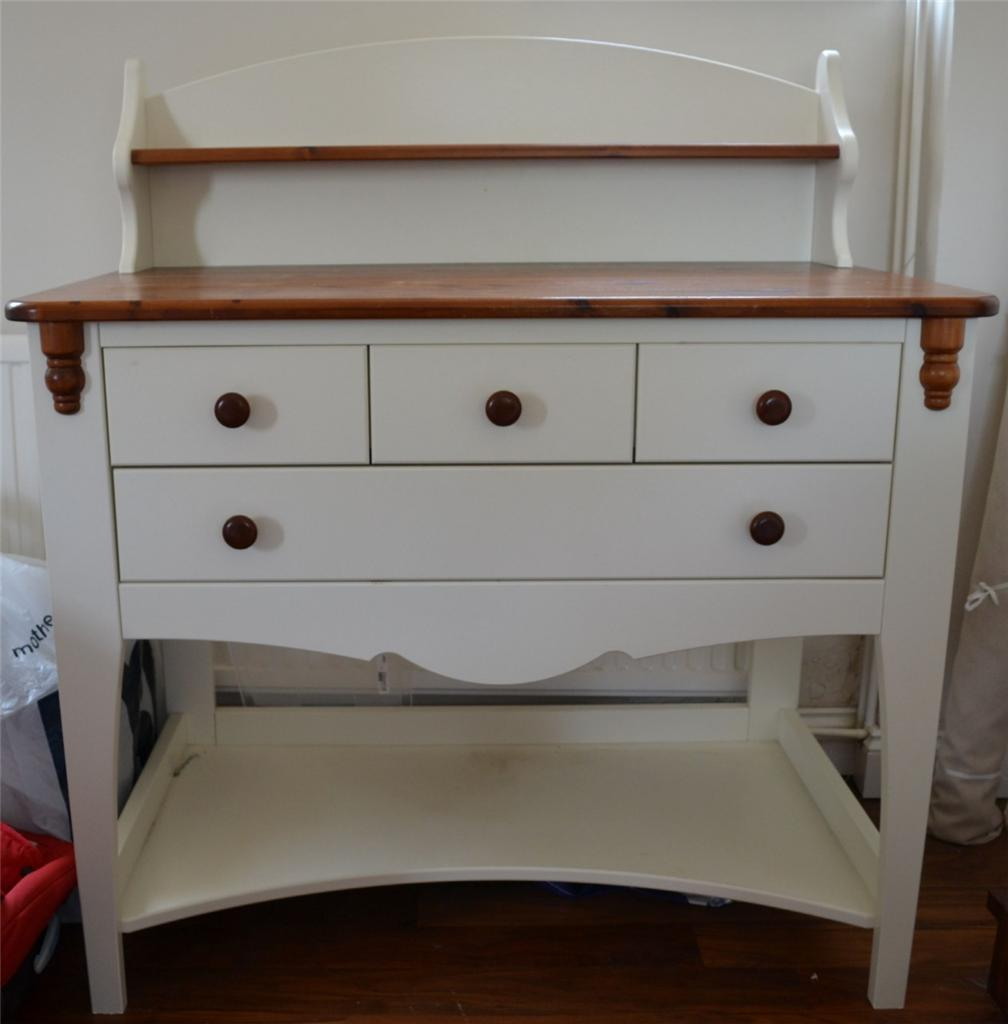 eurobaby baby changing table unit in white pine with drawers and shelves ebay. Black Bedroom Furniture Sets. Home Design Ideas