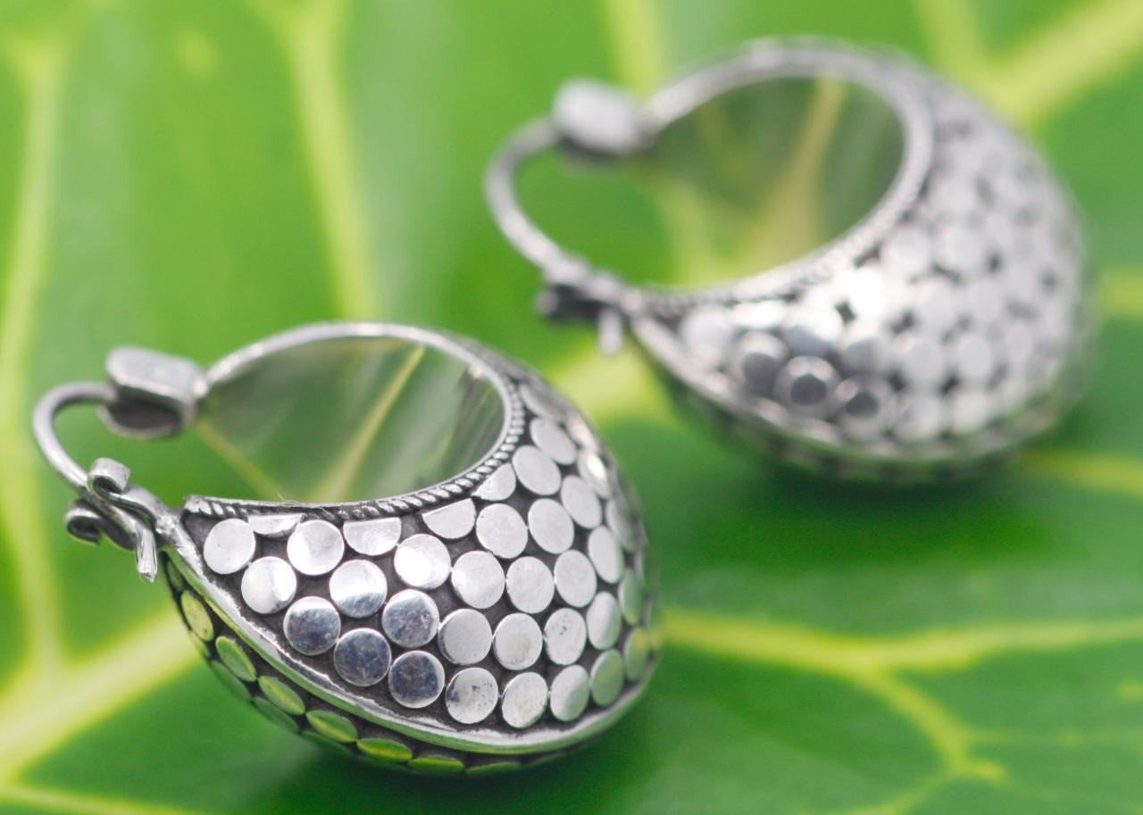 Handmade Sterling Silver .925 Bali Dot Style Hinged Hoop//Huggie Earrings.