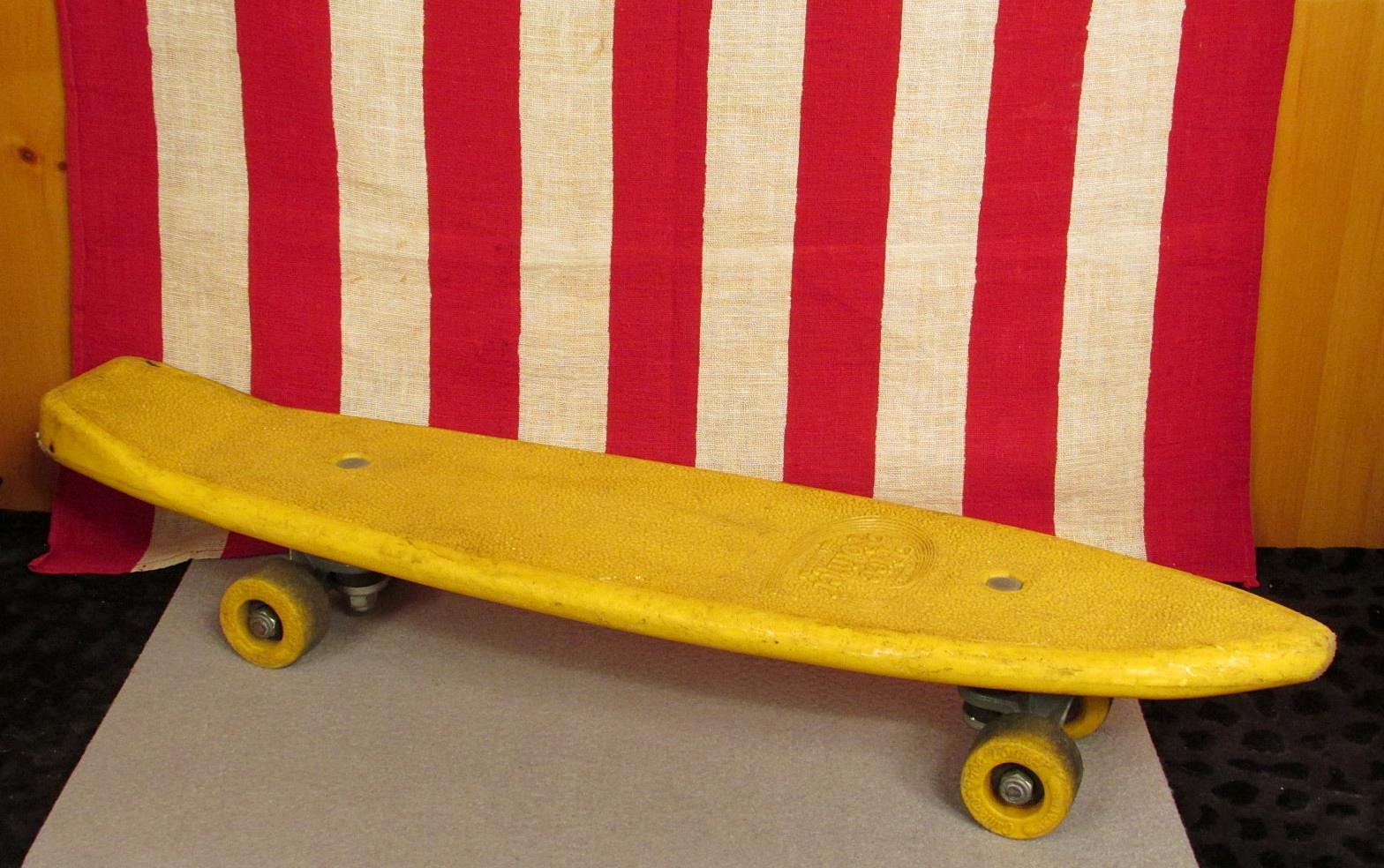 Vintage 1970s California Free Former Skateboard Plastic W ALS Trucks 23 Skate