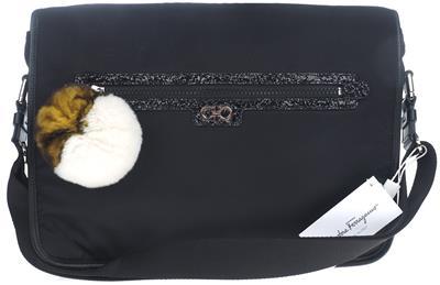 8663cb21182a NEW SALVATORE FERRAGAMO BLACK TECHNO LEATHER GANCIO LOGO MESSENGER LAPTOP  BAG