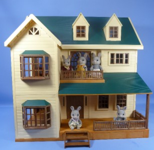 SYLVANIAN FAMILIES HOUSE ON THE HILL MANOR FURNISHED ...