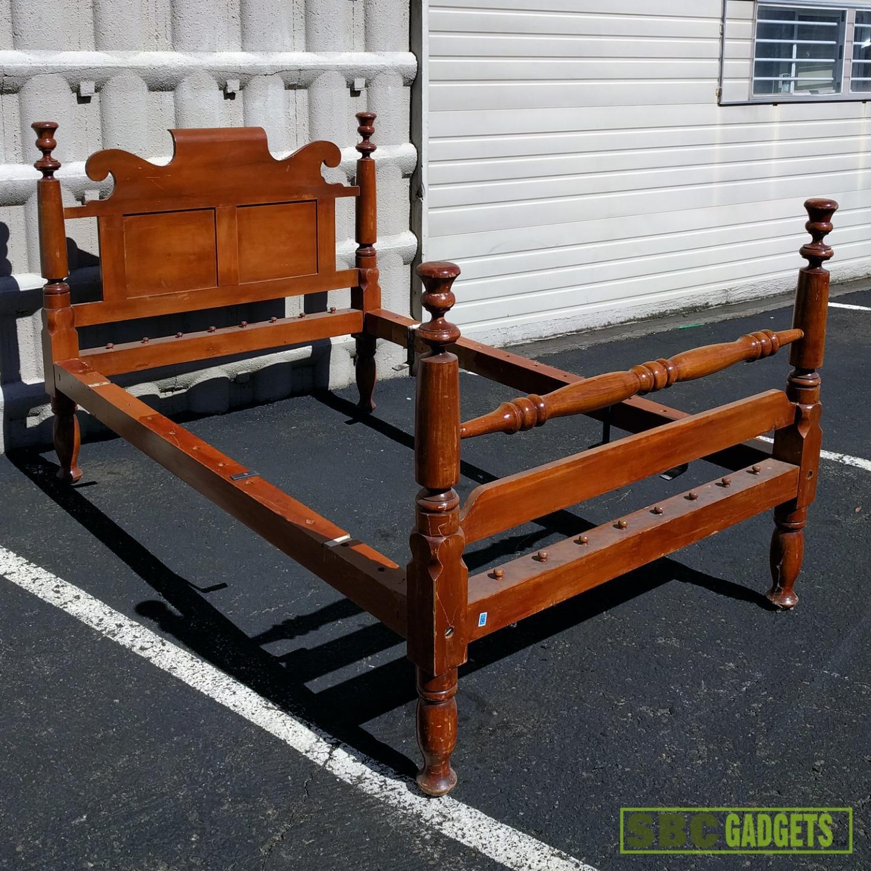 antique vintage real solid wood full size bed frame ebay. Black Bedroom Furniture Sets. Home Design Ideas