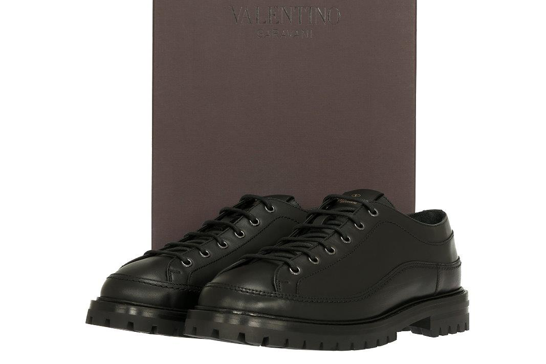 3ce99aa138d06 ... SIGNATURE VALENTINO GARAVANI LOGO EMBOSSED AT THE TONGUE. BLACK RUBBER  SOLE MADE IN ITALY VALENTINO GARAVANI STAMPED. SHOES MARKED SIZE 44. US 11.