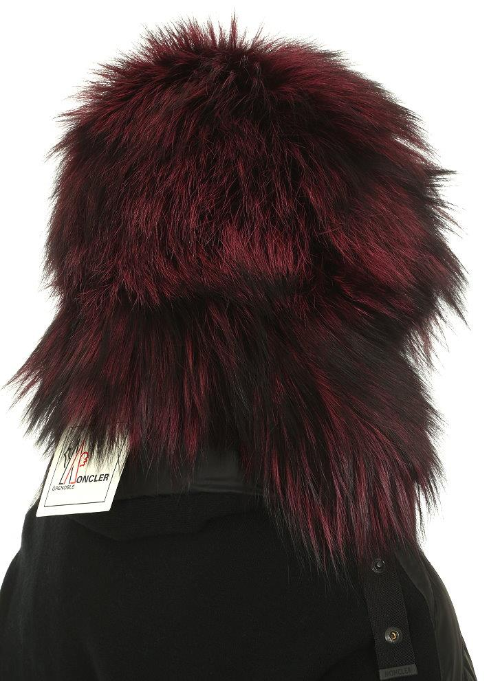 ... FABULOUS WINTER HAT. MADE IN ITALY. 100% AUTHENTICITY GUARANTEED.  LUXURY QUALITY BLACK FUCHSIA DYED SILVER FOX 100% FUR. MONCLER STAMPED SNAP  BUTTONS. 3128f8706b4