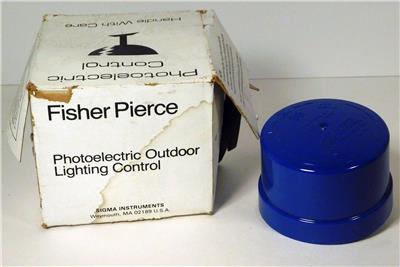 FISHER PIERCE PHOTOELECTRIC OUTDOOR LIGHTING CONTROL  6690B NIB