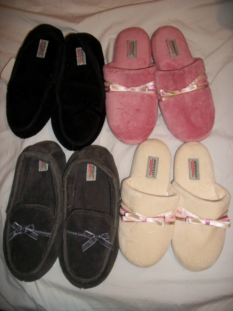 NWT AEROSOLES WOMEN'S BEDROOM SLIPPERS
