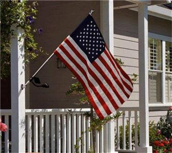 Valley Forge Us Flag Kit With Solar Light Amp No Tangle