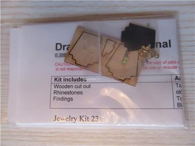 Miniature Dollhouse 1:12 Scale NECKLACE ON A STAND JK023