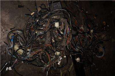 oem bmw e convertible full complete wiring harness fuse box  oem bmw e30 convertible full complete wiring harness fuse box 87 91 325i convertibles auto transmissions ggood used condition