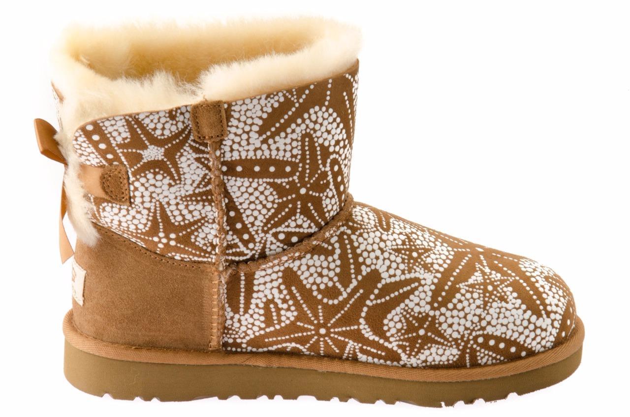 ugg mini kids bailey bow starfish chestnut boots size. Black Bedroom Furniture Sets. Home Design Ideas