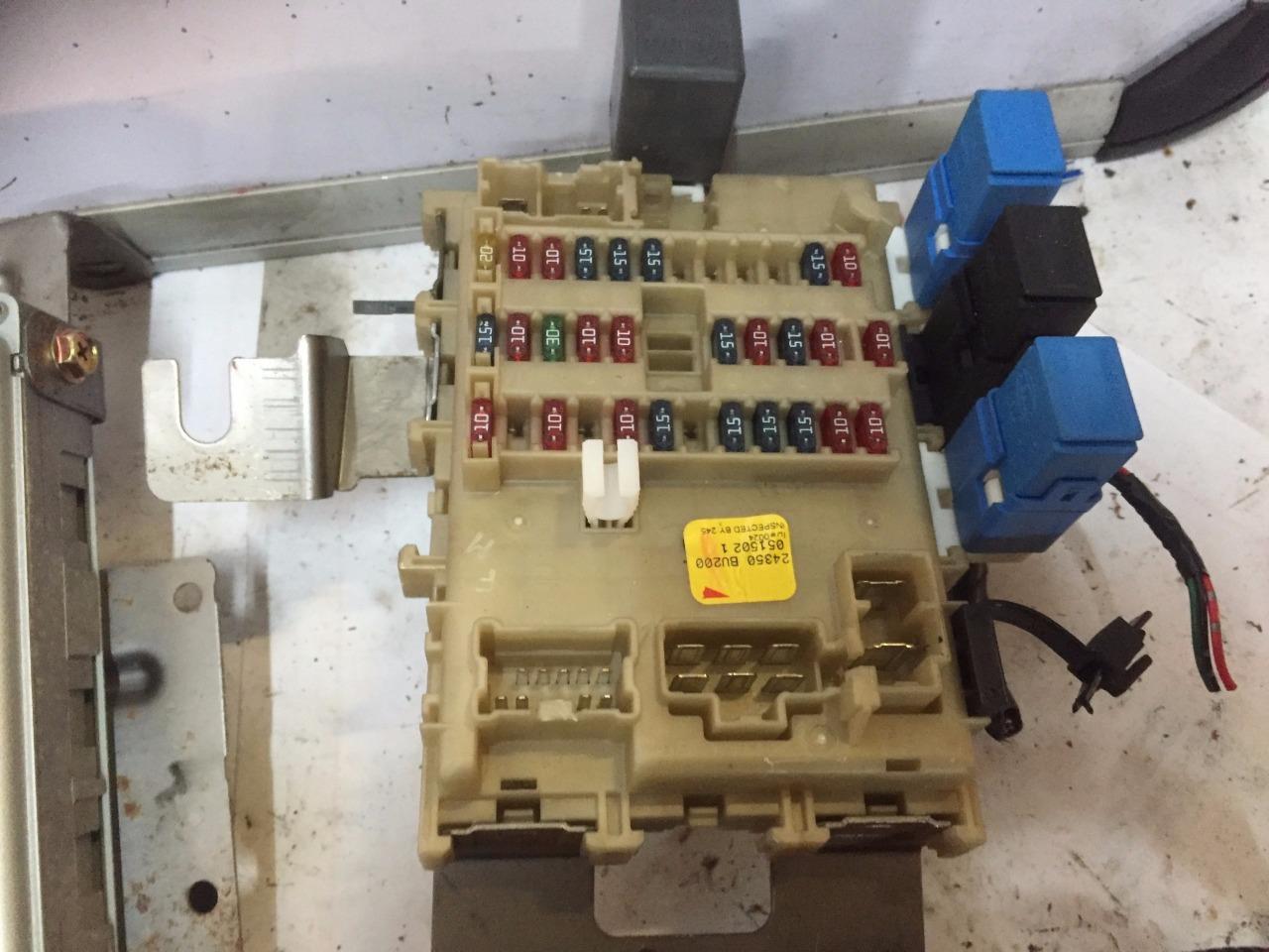 Nissan Almera Tino 2003 1 8 Petrol Complete Lock Set Ecu