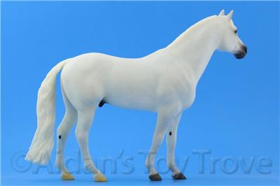 Famous Show Jumping Champion Breyer Horses Traditional Size Snowman #1708