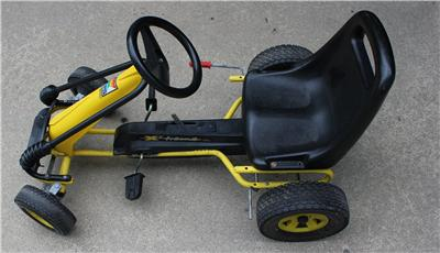 original kettler kettcar go cart pedal car x 39 treme used boys girls ebay. Black Bedroom Furniture Sets. Home Design Ideas