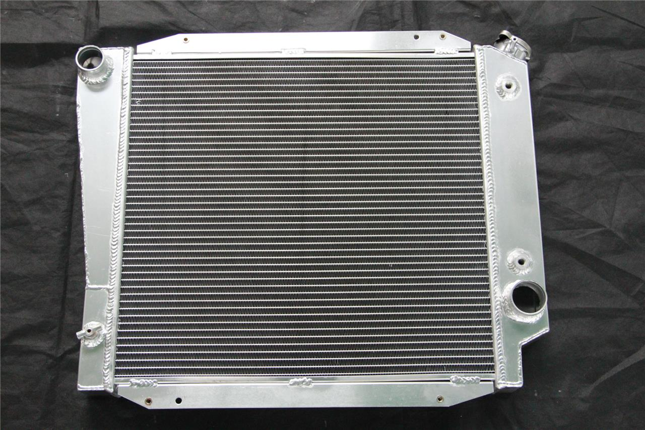 3 ROW ALUMINUM RADIATOR 66-77 FORD BRONCO WAGON//ROADSTER 5.0L 302 V8