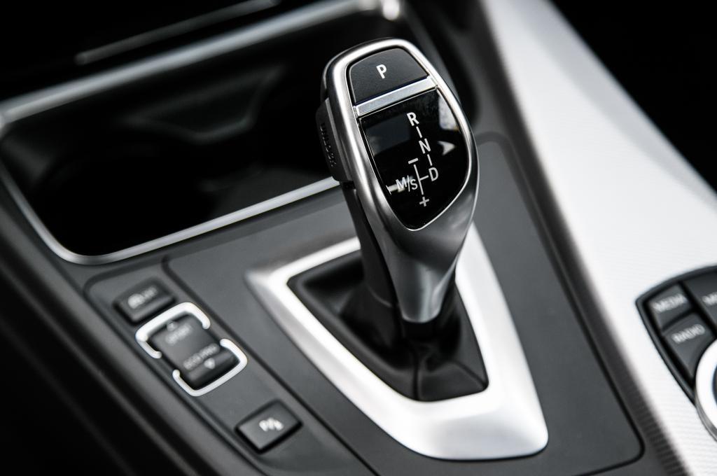 M Gear Shift Knob Panel For Bmw X1 X3 X5 X6 M3 M5 F01