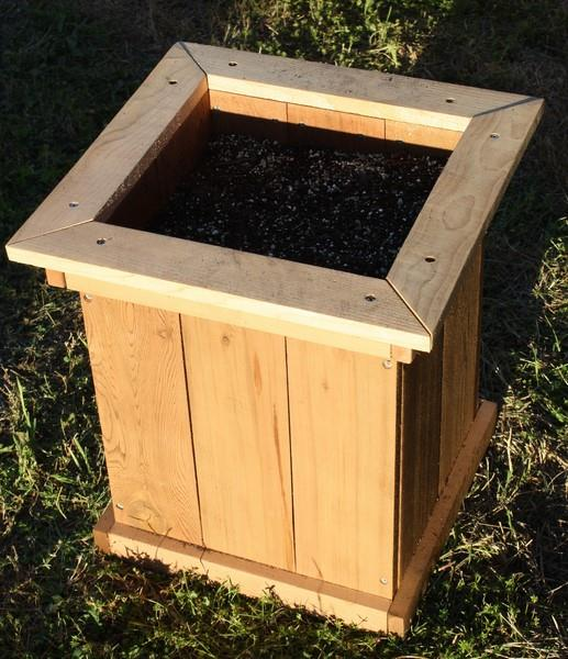 Brand New Cedar Wood Garden Planter Box W Open Base 18