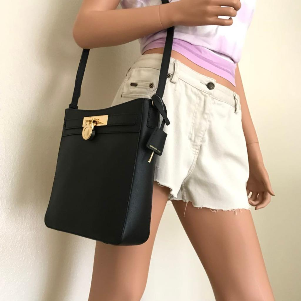 00e520c9ba82 Description. New With Tag 100% Authentic. This list is for a new Michael  Kors Hamilton Traveler Messenger Crossbody Saffiano Leather Bag