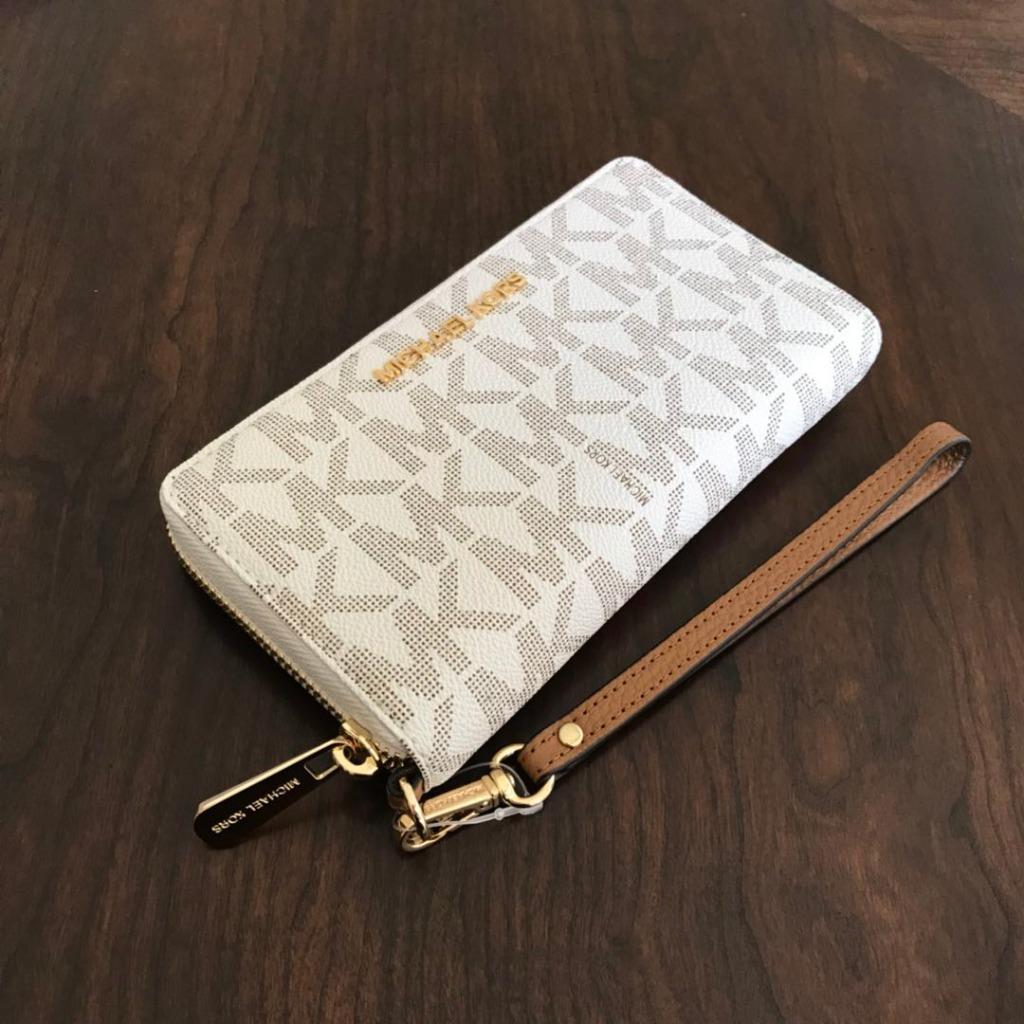 New Michael Kors Vanilla Pvc Zip Around Phone Case Wallet