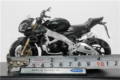 Welly 1:18 Die-cast Aprilia Tuono V4 Motorcycle Black Color