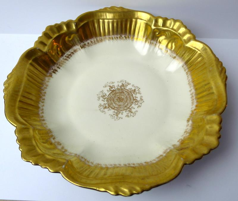 Limoges-Bowl-Gold-Trimmed-Scalloped-Edge-France thumbnail 4