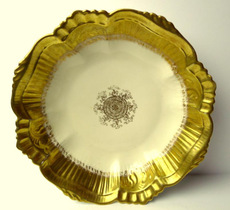 Limoges-Bowl-Gold-Trimmed-Scalloped-Edge-France thumbnail 1