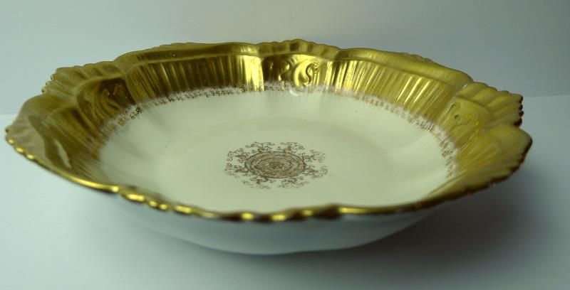 Limoges-Bowl-Gold-Trimmed-Scalloped-Edge-France thumbnail 2