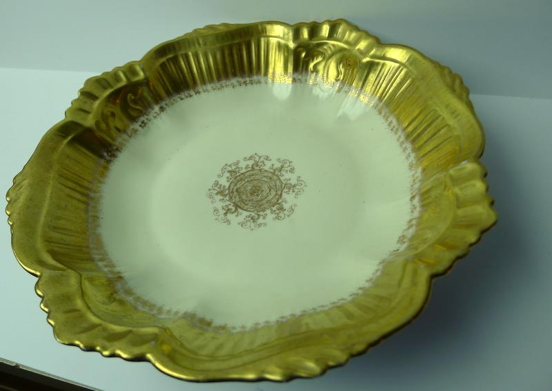 Limoges-Bowl-Gold-Trimmed-Scalloped-Edge-France thumbnail 3
