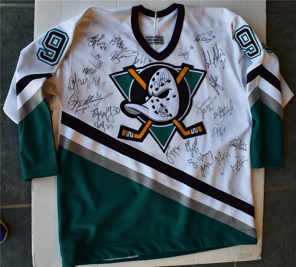 low cost 2b0b8 ed029 Details about Teemu Selanne - Team Signed NHL Anaheim Ducks Jersey Hockey  Stanley Cup Champs