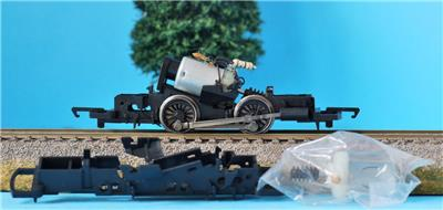 HORNBY 0-4-0 MOTORISED CHASSIS X2930 CLASS D NO CLYINDER BLOCKS L6997 SPARES SOR