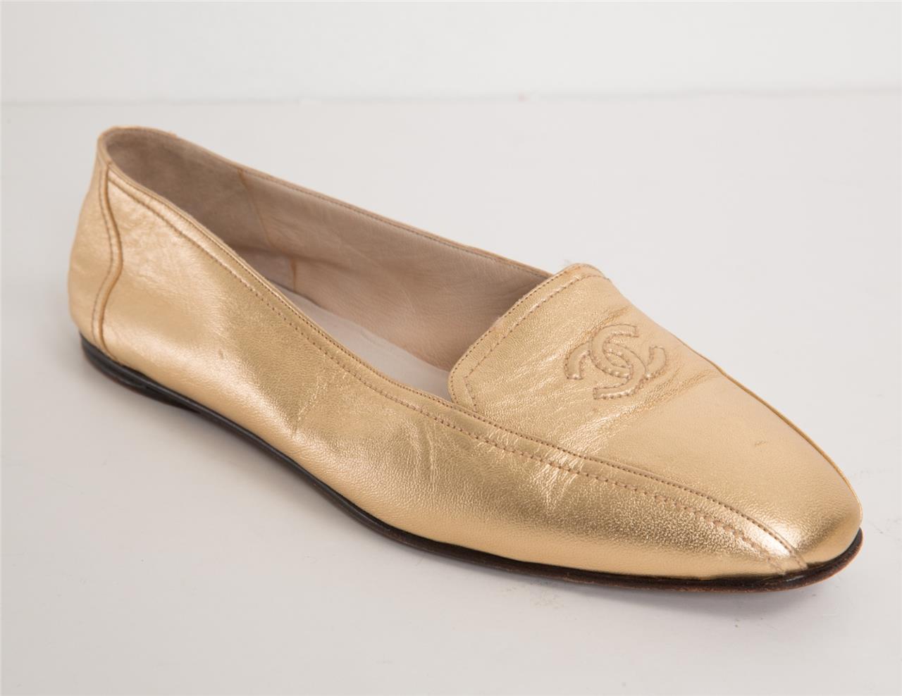 el más nuevo 58a46 3fb4f Detalles de Chanel Mujer Dorado Cuero Metalizado cc Logo Bordado Mocasines  Zapatos Planos