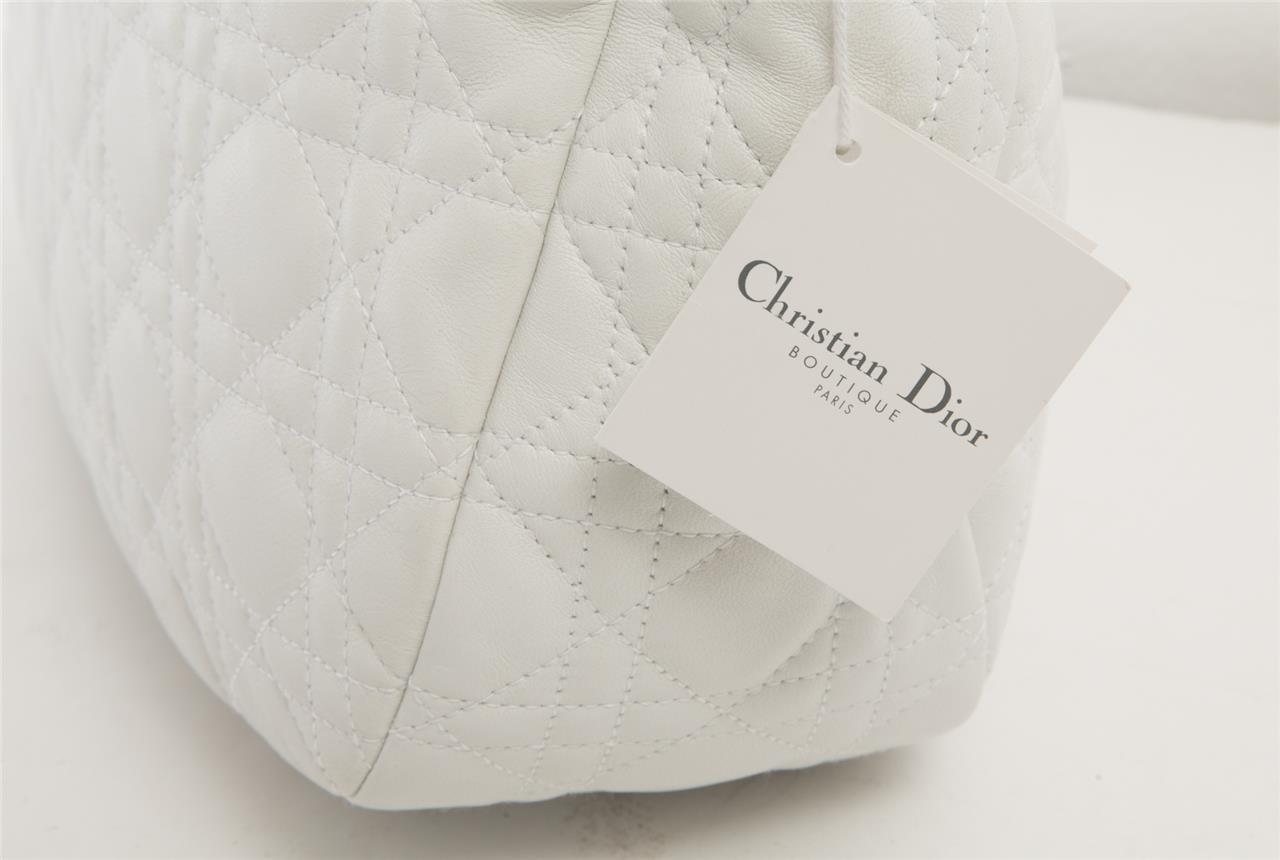 e255154ae1 Christian Dior Blanc Agneau Cuir M Cannage Sac de Ville Sac Besace ...