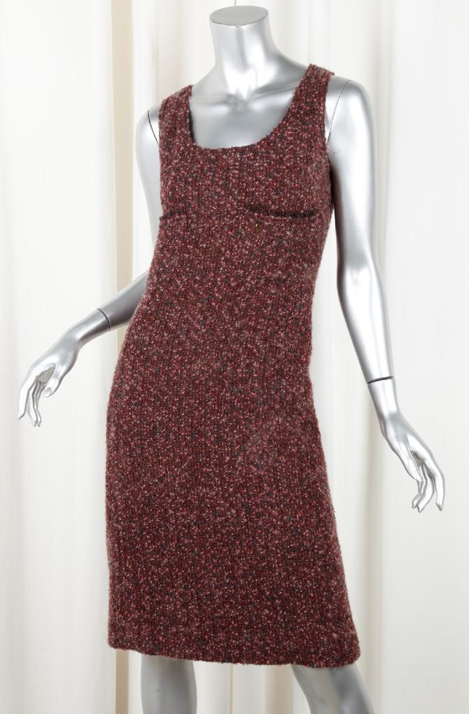 Chanel 02A Bordeaux Rosso Lana Bouclé Tweed senza Maniche Scollo a ... c1b16b2683f