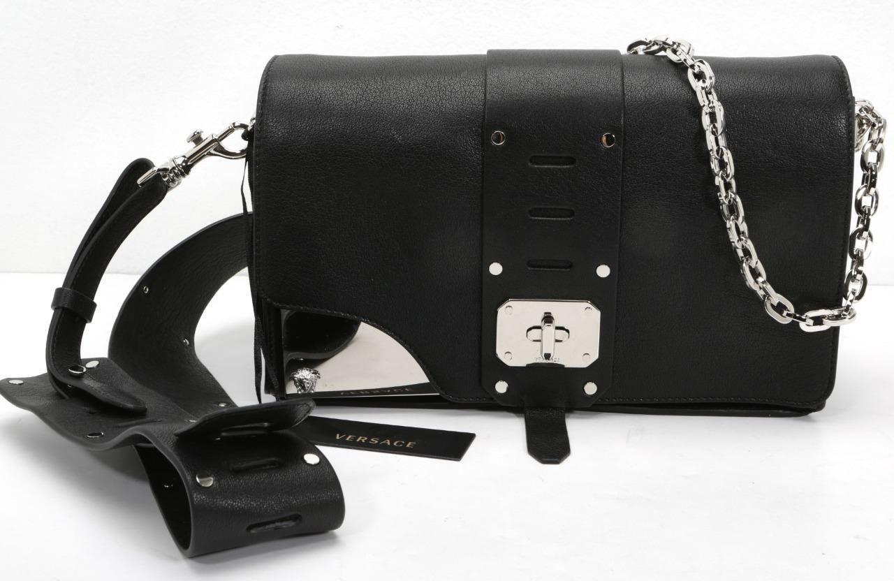 936470d6bed0 VERSACE Stardust Shoulder Bag Black Leather Silver Chain Medusa ...