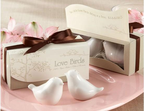 Wedding Bomboniere Gifts: Love Birds Salt And Pepper Shakers